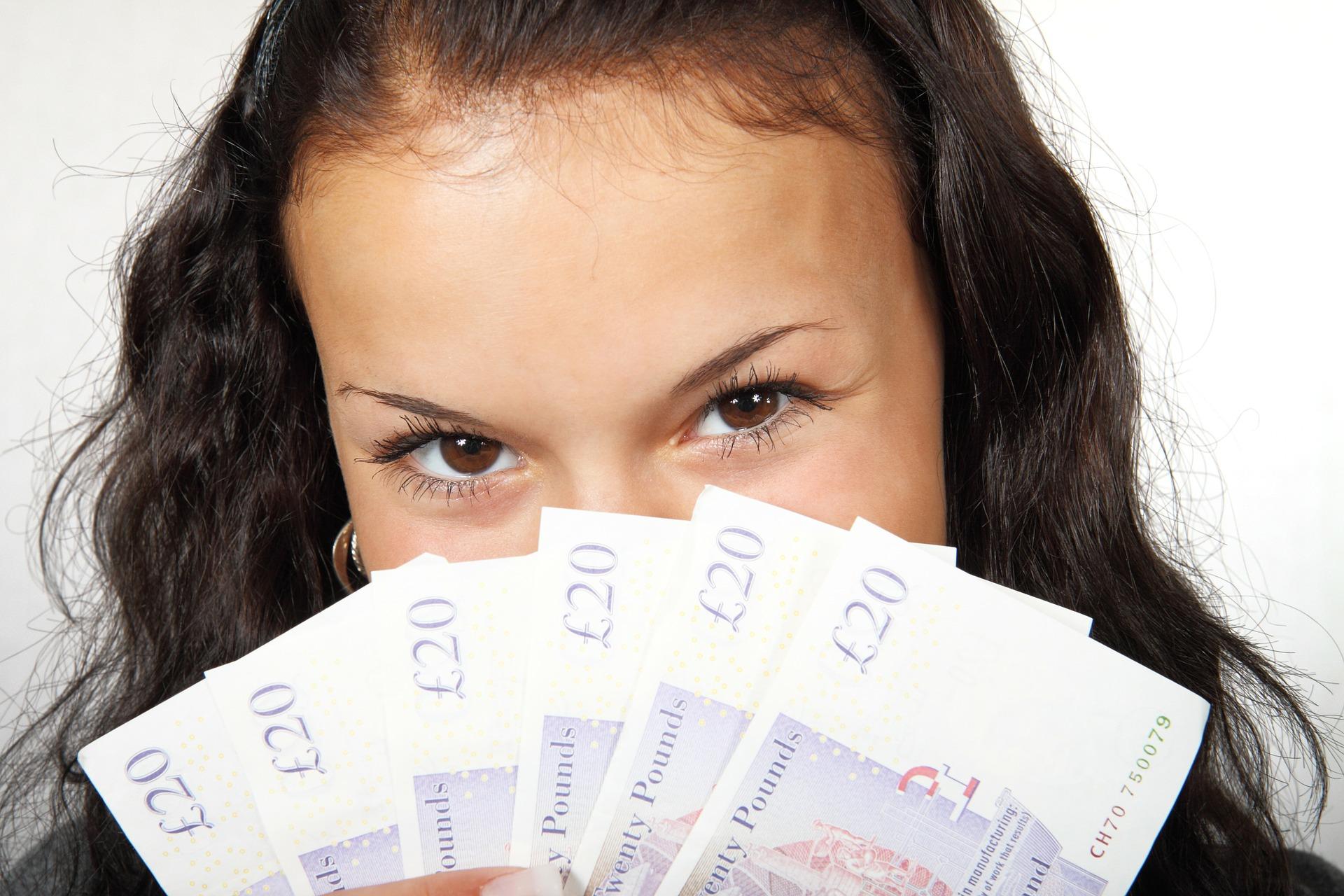 サラリーマンが小資本で始めれるリスクの少ない副業5選