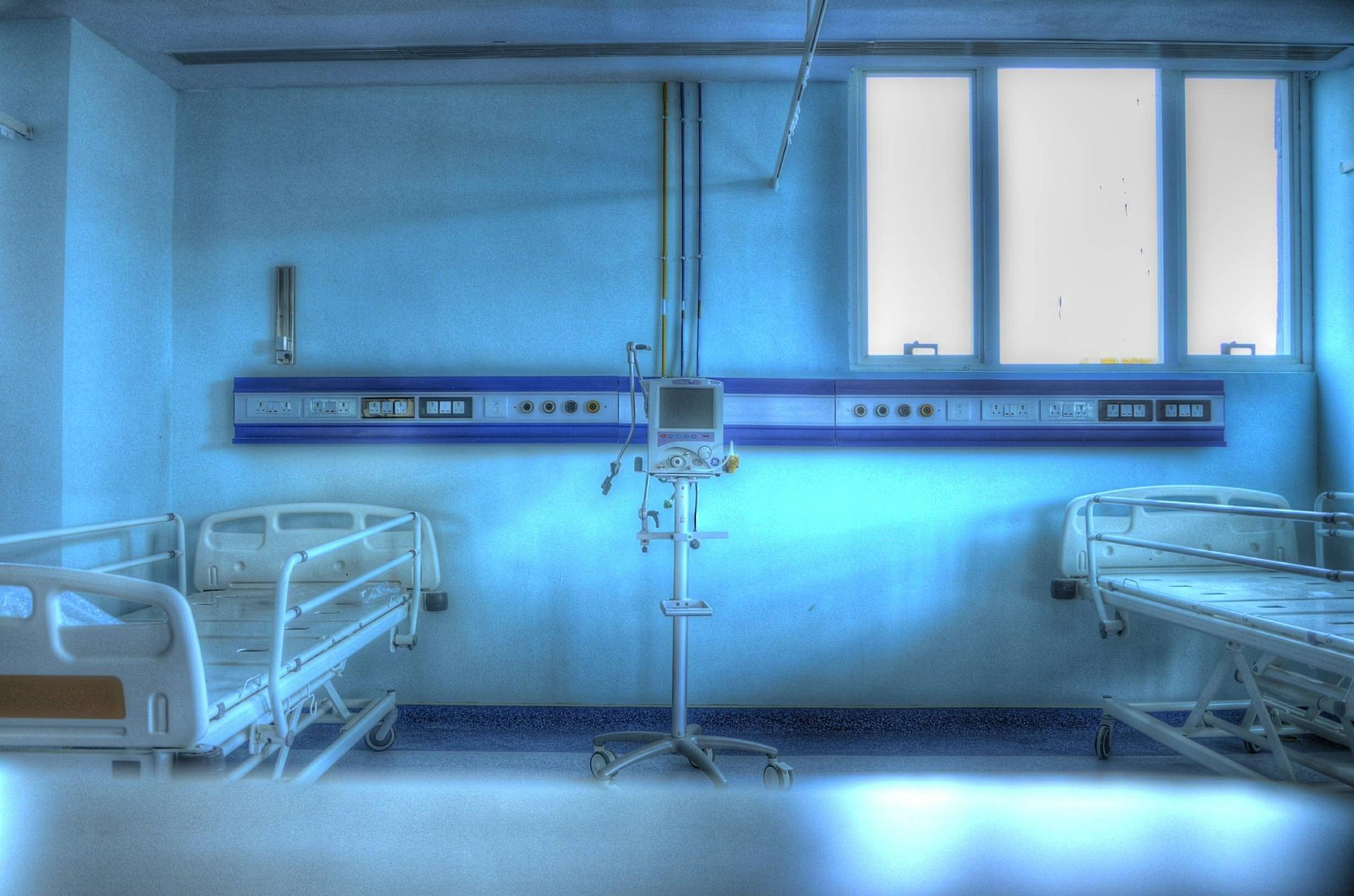 看護師が語る、患者が死ぬ直前に後悔する事トップ5【不幸な労働】
