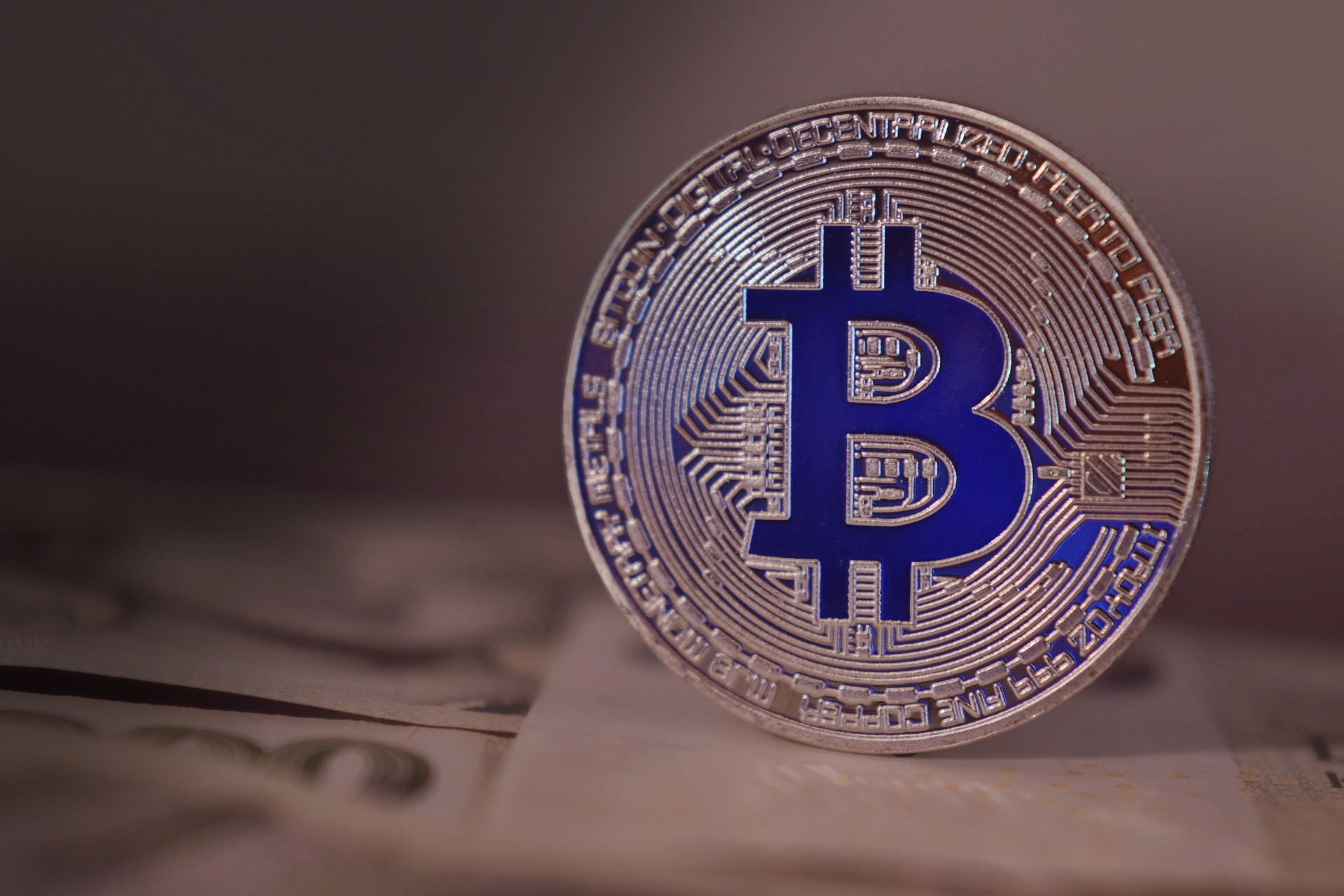 ビットコインがたった5分でわかる2つの特徴【仮想通貨の仕組み】